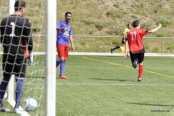 Pedro celebra el primer gol